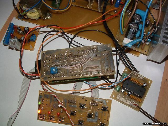 Предварительный усилитель с микроконтроллерным управлением